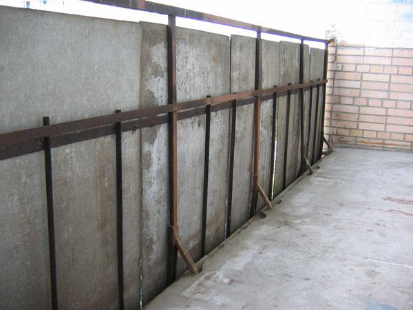 Деревянные ограждения для балкона.